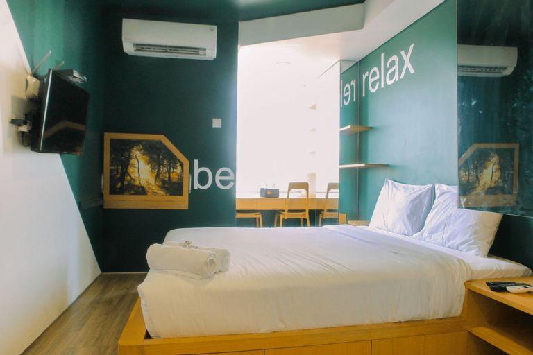 Compact and Artsy Studio Cinere Bellevue Apartment By Travelio, Depok
