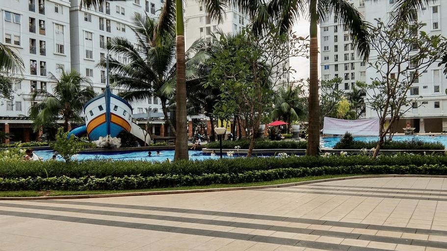 Homey 2BR Green Palace Kalibata Apartment By Travelio, South Jakarta