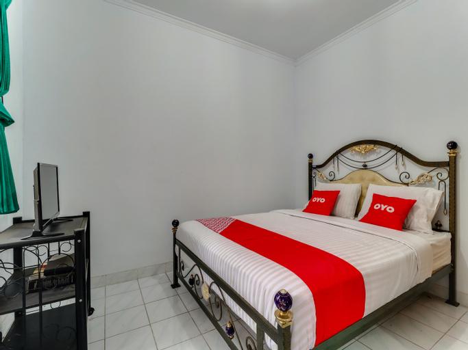 OYO 90014 Green House Cipanas, Cianjur