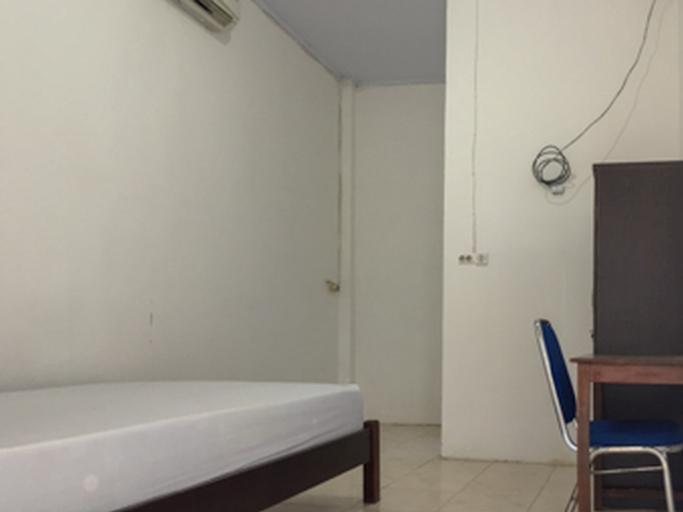 KoolKost @ Jalan Laranki Makassar ( Minimum stay 6 Nights ), Maros