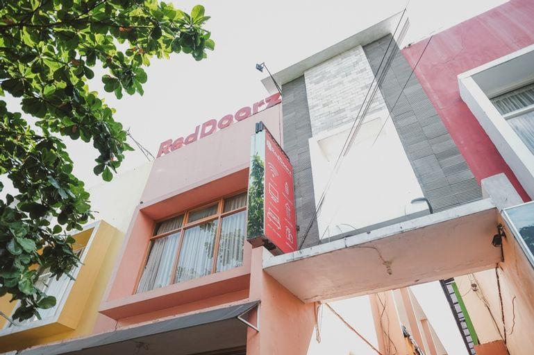 RedDoorz near Plaza Ambarukmo, Yogyakarta