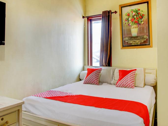 OYO 90019 Nana Guest House, Makassar