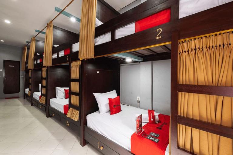 RedDoorz Hostel near Trans Studio mall, Badung