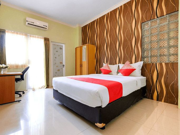 OYO 338 Guest House Omah Manahan, Solo