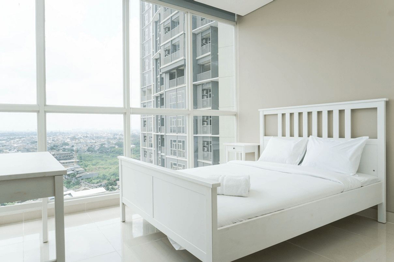 Graceful 1BR Ciputra International Apartment By Travelio, Jakarta Barat