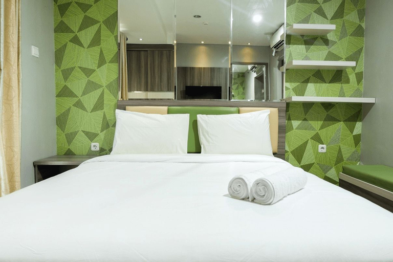 Comfy Studio Woodland Park Residence Apartment By Travelio, South Jakarta