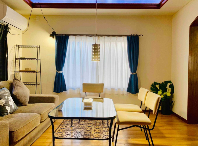 For family trip.Can stay4to10people.Near theJRsta., Takamatsu