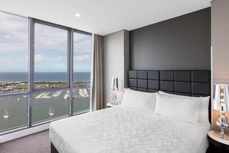 Meriton Suites Southport, Gold Coast, Southport