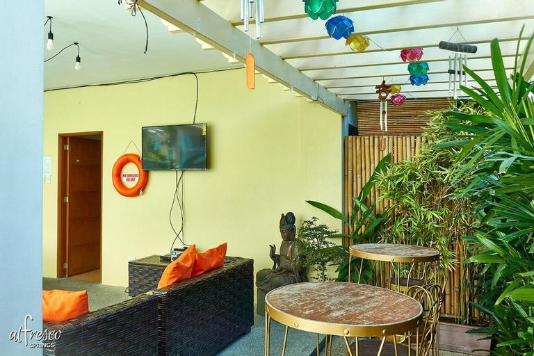 Al Fresco Springs 1 | Hot Spring w/ View-Sleeps 15, Los Baños