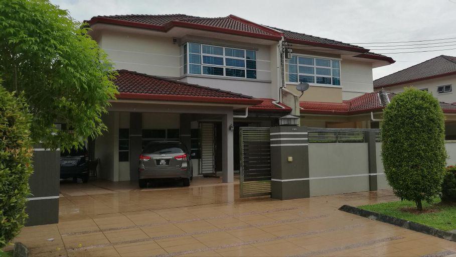 Modern Spacious DS Semi D in Kuching Samarahan, Samarahan
