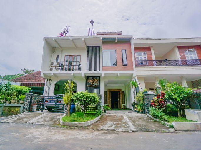 OYO 90319 Angler Guest House Malang, Malang