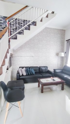 Sawahan Villa Batu, Malang