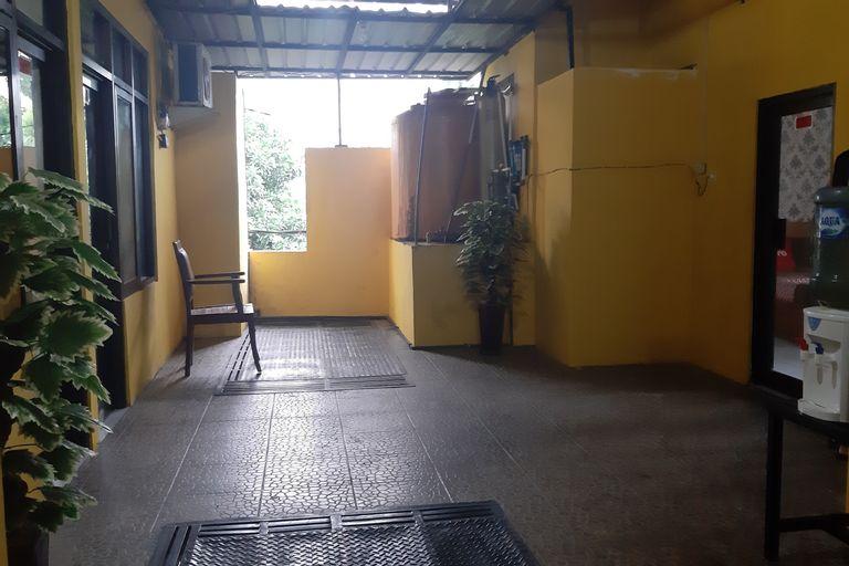 OYO 90299 Corner Guest House, Sidoarjo