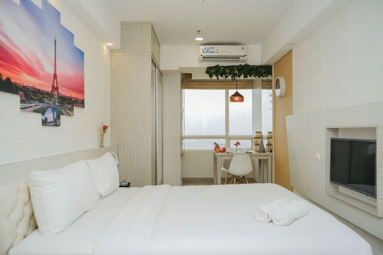 Lovely and Modern Studio at Skandinavia Apartment By Travelio, Tangerang