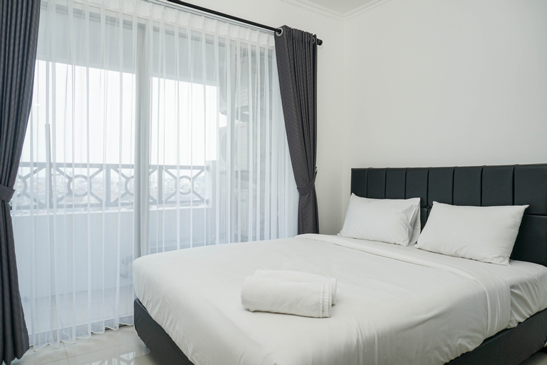 Cozy and Spacious Green Central City 2BR Apartment for 4 Pax By Travelio, Jakarta Barat