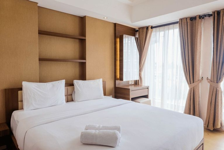 Trendy and Convenient Studio Bintaro Plaza Apartment By Travelio, Tangerang Selatan