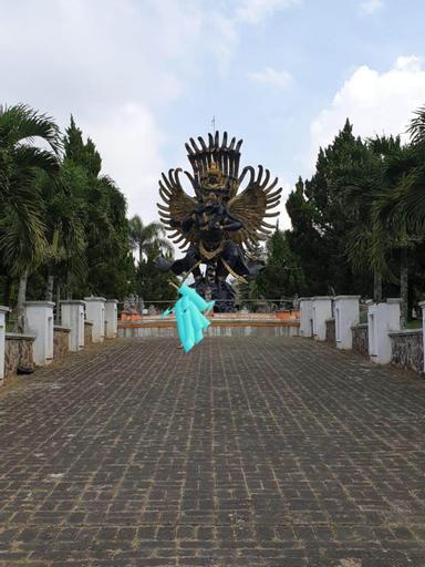 VILLA NYATA, Malang