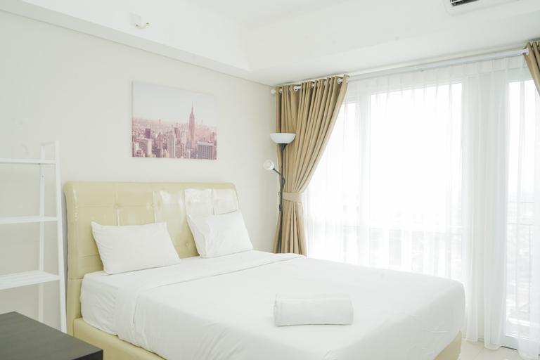 Best and Spacious Studio Room Bintaro Plaza Apartment By Travelio, Tangerang Selatan