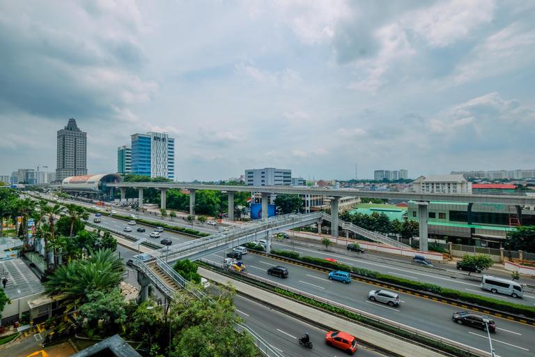 Strategic Place with Cozy Place Apartment @ Studio Signature Park Tebet By Travelio, South Jakarta
