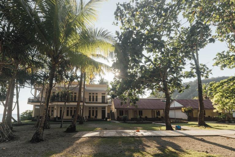 OYO 1688 Collin Beach Hotel, Ambon