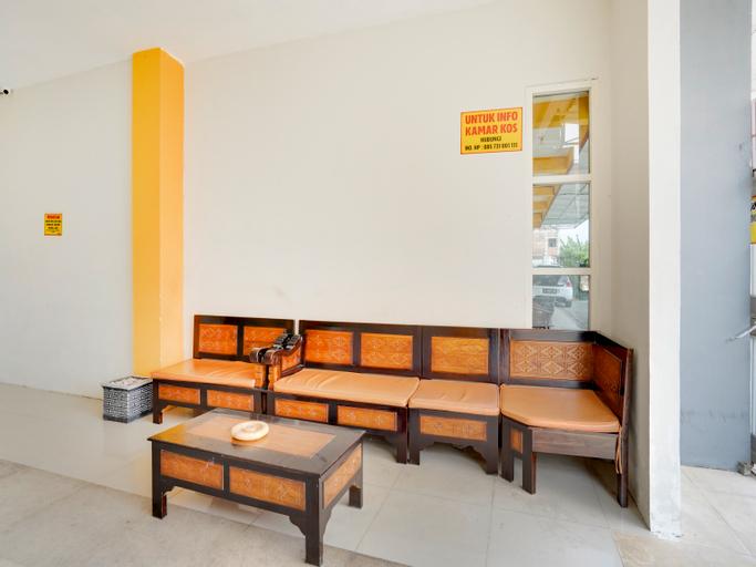OYO 3705 Orchid Family Residence, Lamongan