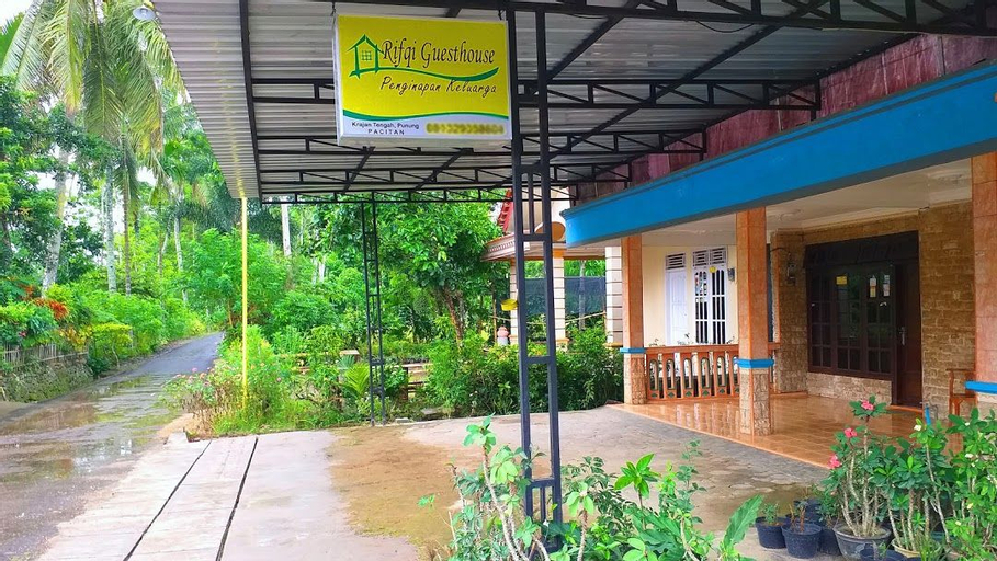 Rifqi Guesthouse by DOM Hospitality, Pacitan