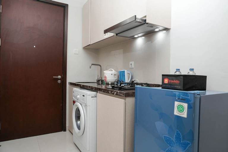 Relaxing Studio Puri Mansion Apartment By Travelio, West Jakarta