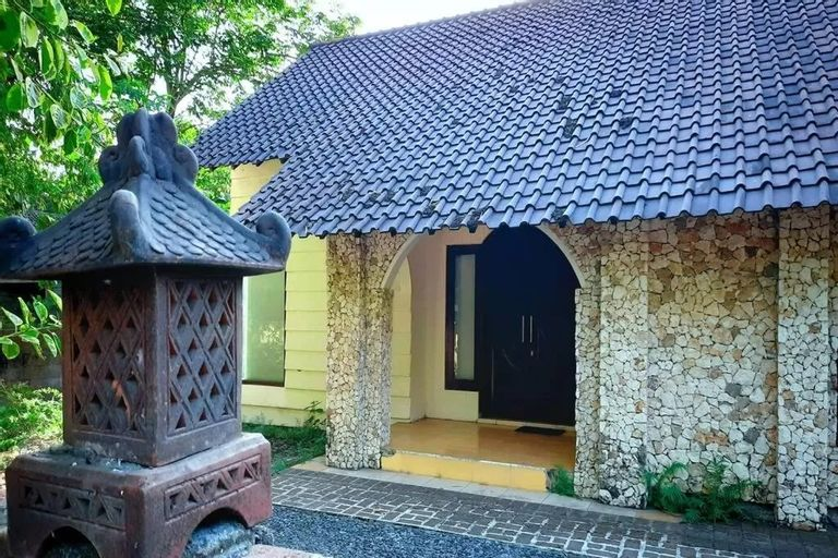 Second Home 7 (2 Bedrooms) for family and backpaker, Bantul