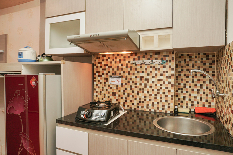Fully Furnished With Comfortable Design Studio Sunter Park View Apartment By Travelio, Jakarta Utara