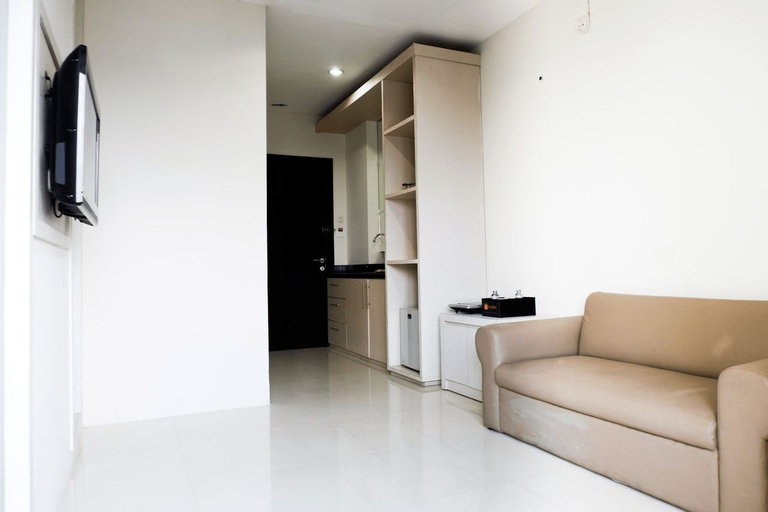 Comfy 1BR Twin Tower Apartment By Travelio, Surabaya