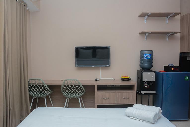 New Furnished @ Studio Maple Park Apartment By Travelio, North Jakarta