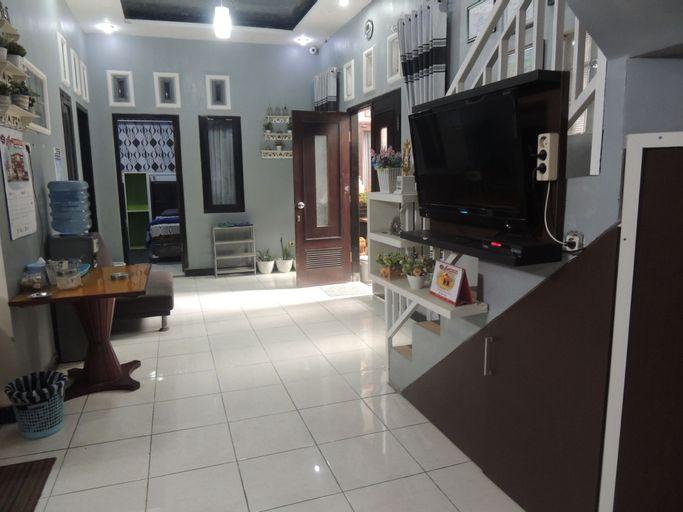 Griya DiengKulon Casa Blanca Syariah, Wonosobo
