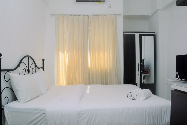 Simply and Homey Studio at Green Pramuka Apartment By Travelio, Central Jakarta