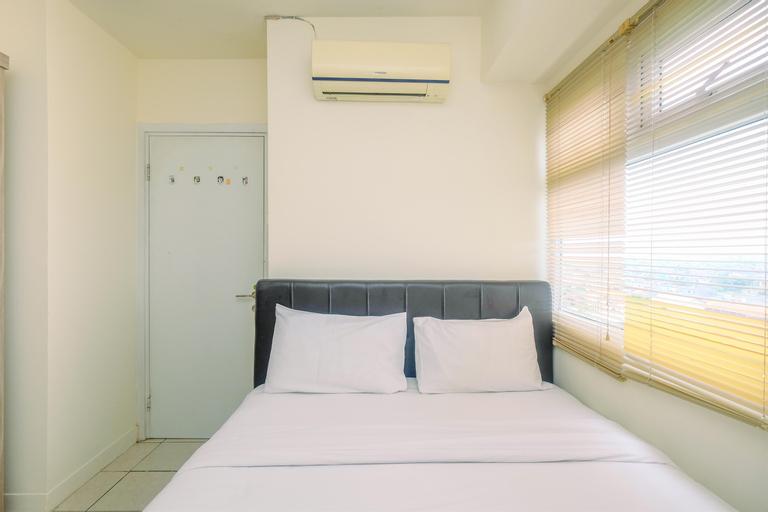 Comfort Green Pramuka 2BR Apartment By Travelio, Central Jakarta