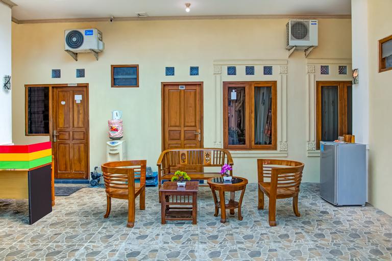 OYO 3831 Pelangi Residence Syariah, Solo