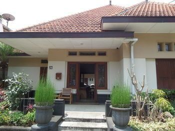 Merbabu Guest House, Malang
