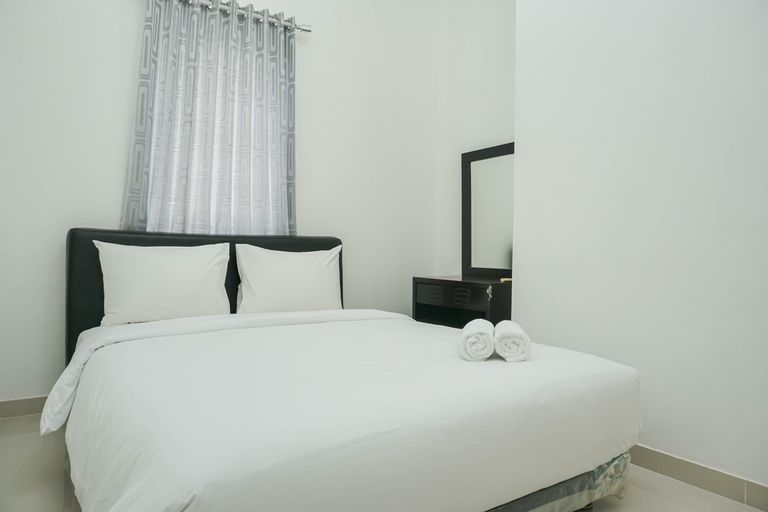 Fully Furnished with Comfortable 2BR Grand Palace Kemayoran Apartment By Travelio, Central Jakarta