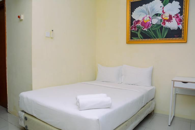 Comfort Studio Apartment Woodland Park Residence By Travelio, South Jakarta