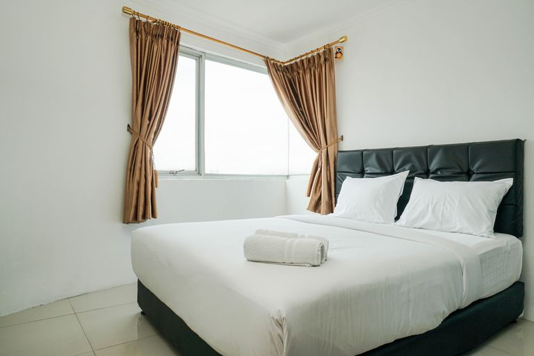 Comfy and Spacious 1BR Green Central City Apartment By Travelio, Jakarta Barat