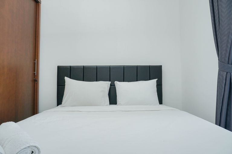 Cozy with Minimalist Design Green Central City 2BR Apartment By Travelio, Jakarta Barat