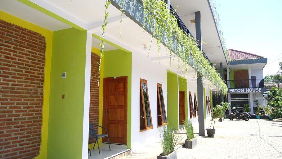 Eston House ( Guest House and Homestay ), Banyuwangi