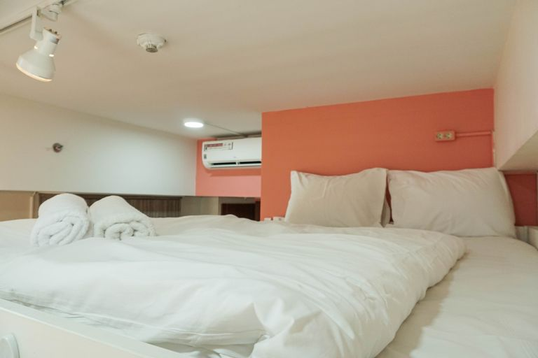 Best Studio Apartment Vittoria Residence with Sofa Bed By Travelio, West Jakarta