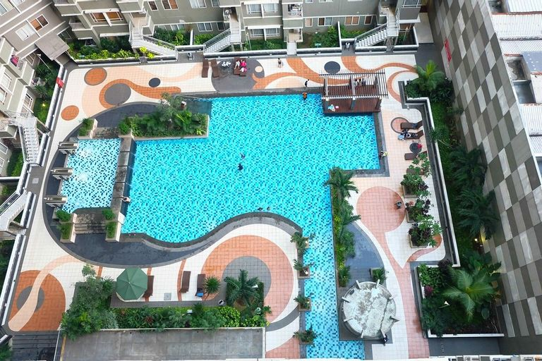 Homey & Vintage 2BR @ Sudirman Park Apartment By Travelio, Central Jakarta