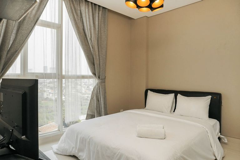 Best Location 1BR Apartment at Ciputra International By Travelio, Jakarta Barat