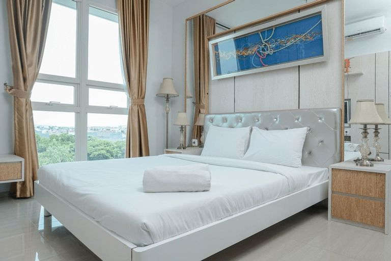 Minimalist and Comfy 1BR CitraLake Suites Apartment By Travelio, West Jakarta