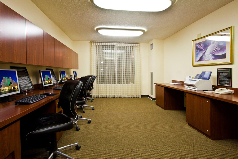Holiday Inn & Suites Orlando Universal, Orange