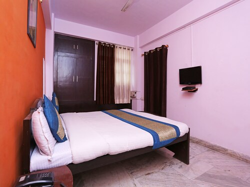 OYO 13216 Sidhi Vinayak Residency, Patna