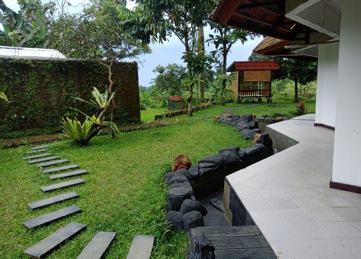 Vila Kaca Revi, Bogor