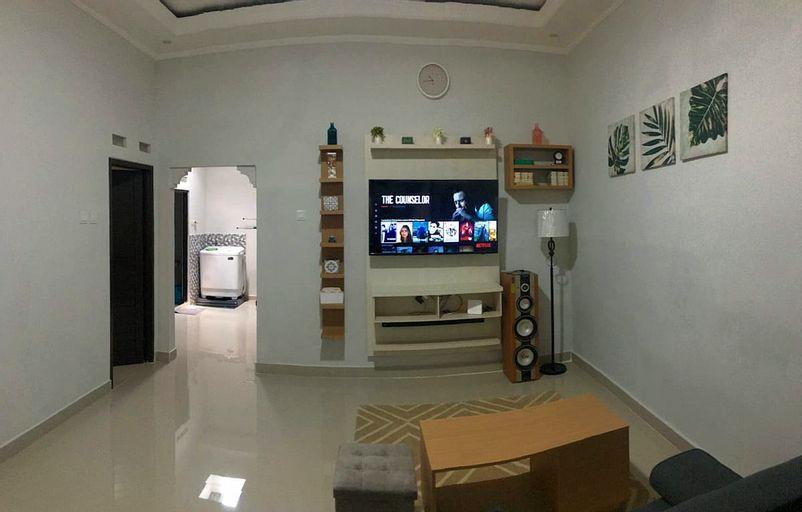 Refresh Home Bogor - Get 60% Discount when staying for 28 days or more, Bogor