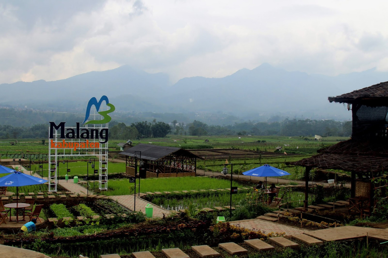 Halona Guest House, Malang